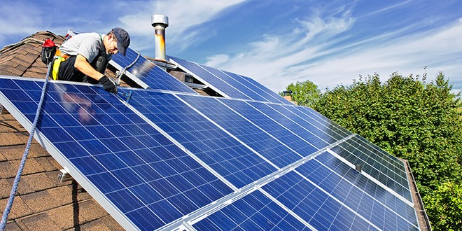 Which Solar Panel Type is Best? Mono- vs. Polycrystalline